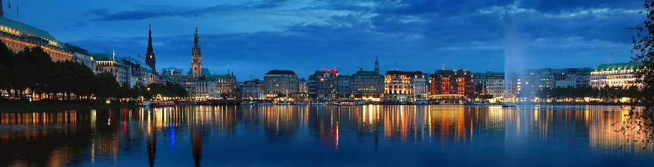 hamburg-skyline-at-night_940x240.jpg