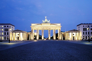 brandenburg gate night picture